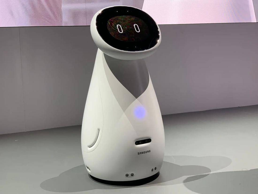 Роботы-сиделки, часы-тонометр и умный унитаз. Медицинские технологии завтрашнего дня гаджеты