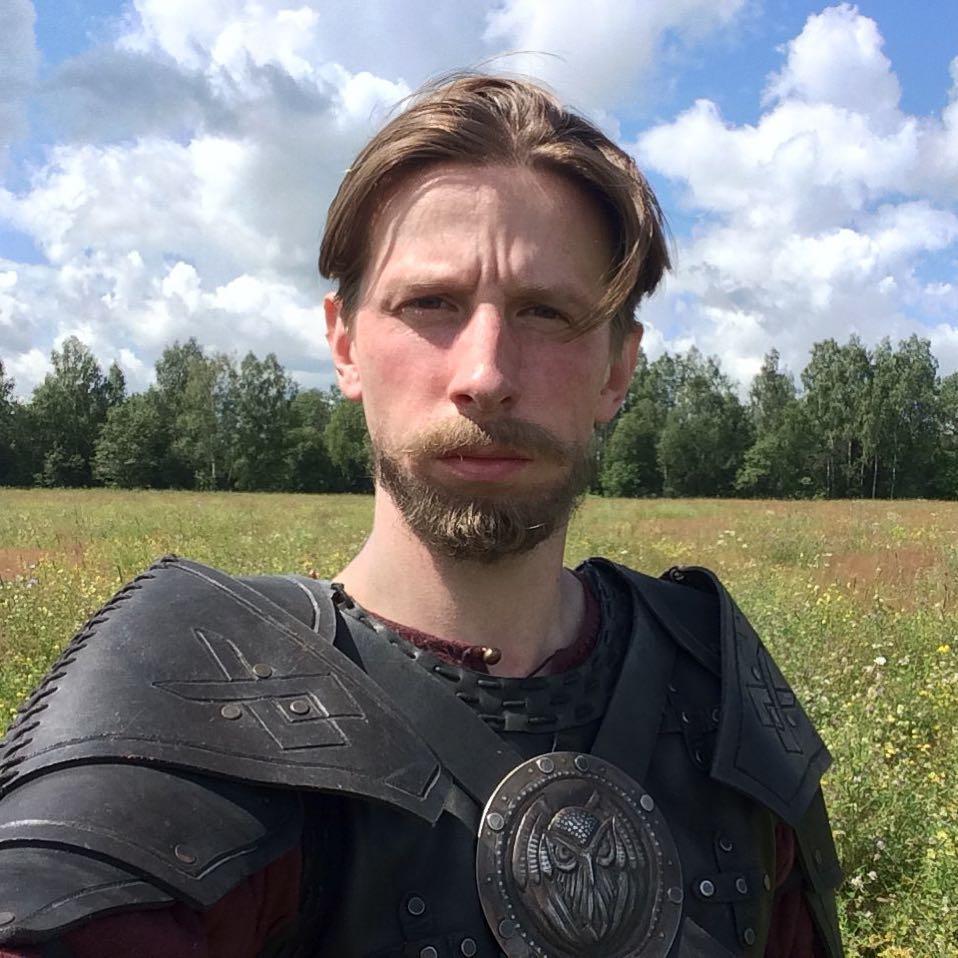 Артист из «Домашнего ареста» в интервью для латвийского радио назвал «проклятием» жизнь в России