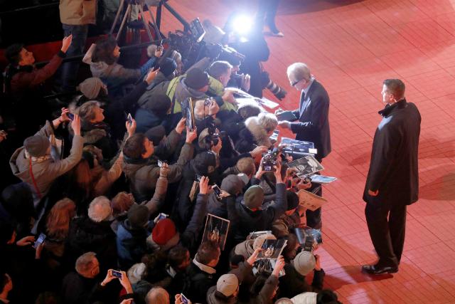 Жюльет Бинош, Энди Макдауэлл, Тони Гаррн и другие на церемонии открытия Берлинского кинофестиваля — 2019 красная дорожка