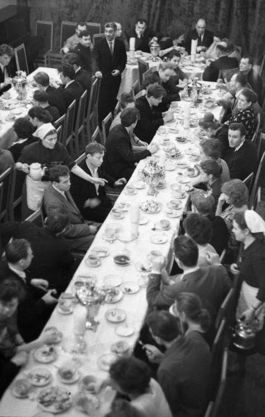 8 марта 1938 года и др. Корпоративы далекого прошлого на старинных фото Дальние дали