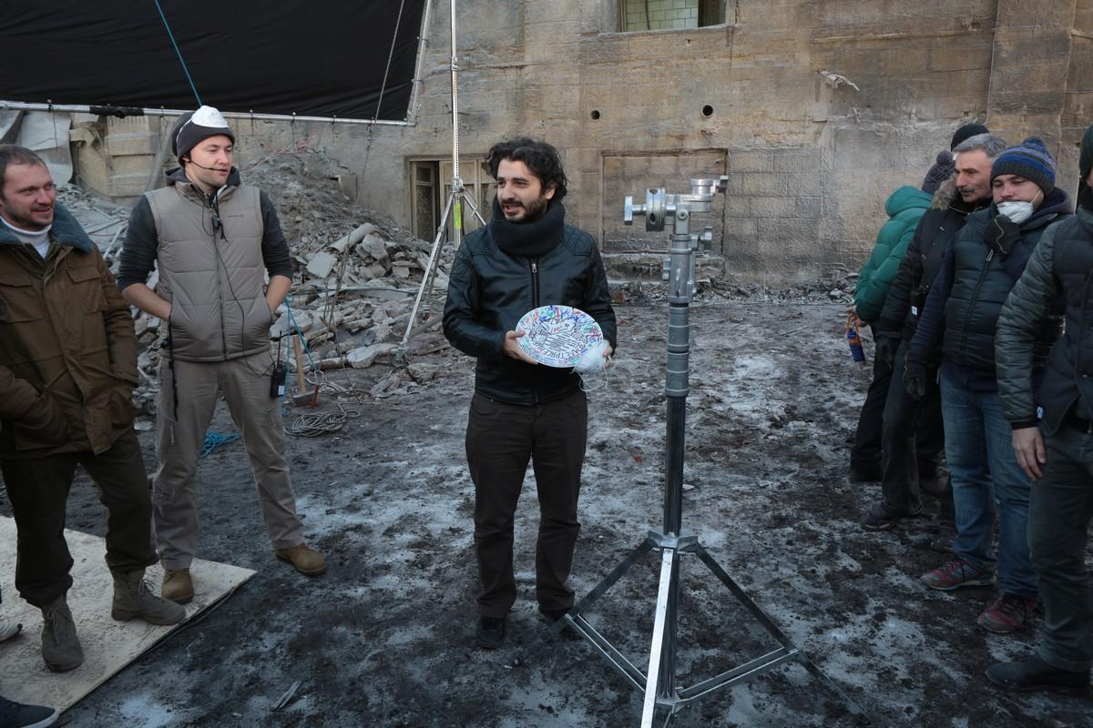 Режиссер фильма «Защитники» Сарик Андреасян на своем Bentley решил объехать пробку кино и тв